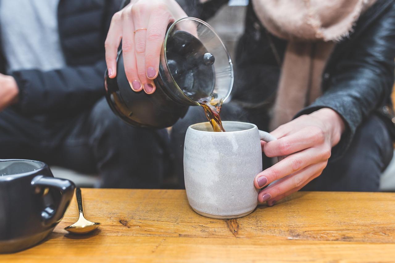 ¿Cómo se prepara un café en casa?
