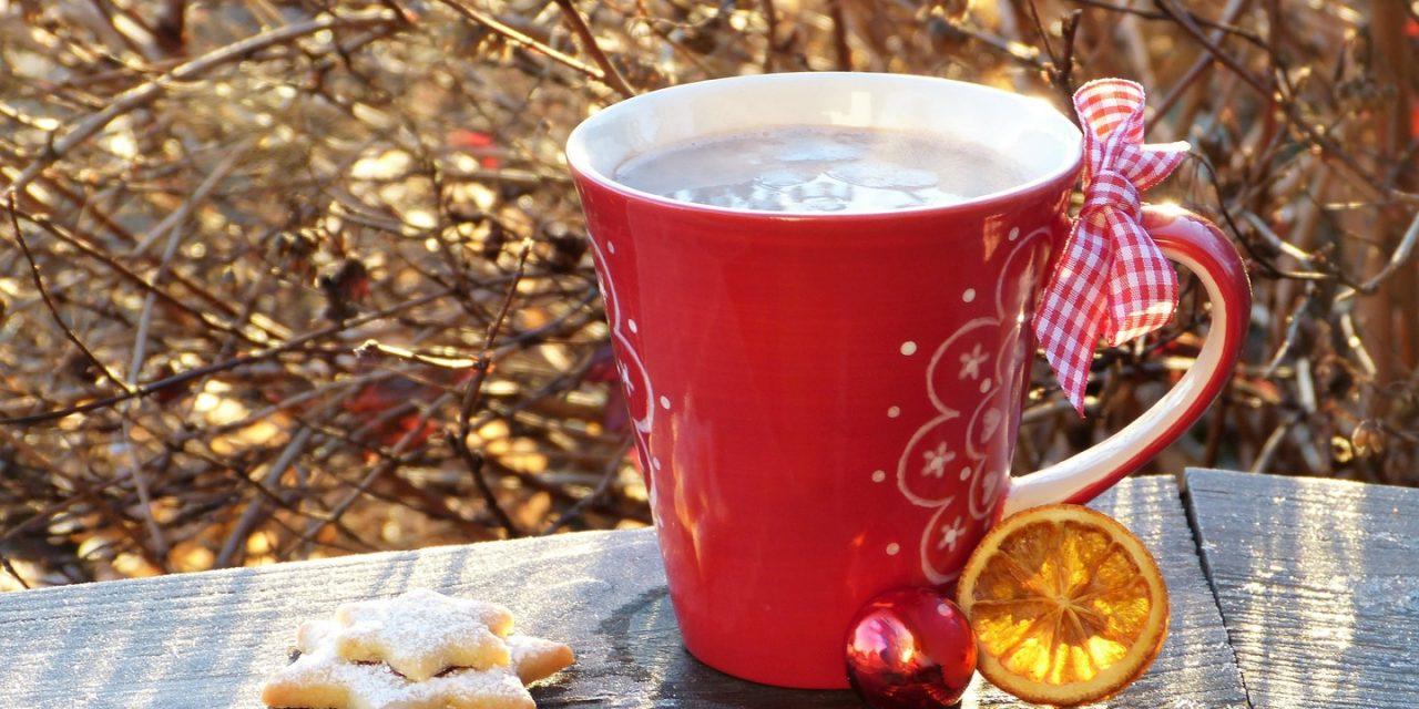 Tradiciones de Navidad en torno al café y al té